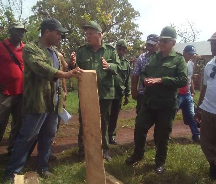Viceministro de las FAR recorre zonas costeras de Sierra de Cubitas