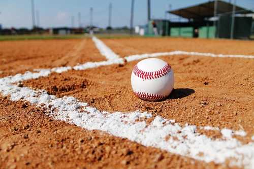 Leñadores continúan solos en la cima del Béisbol cubano