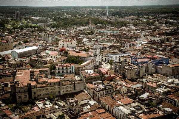 Camagüey, ciudad que vivimos y transitamos en muestra colectiva