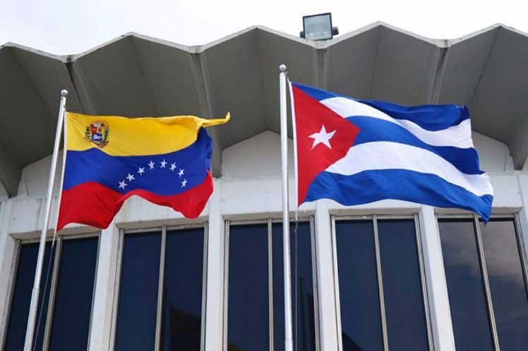 Cuba se niega a participar en mediación internacional de crisis en Venezuela