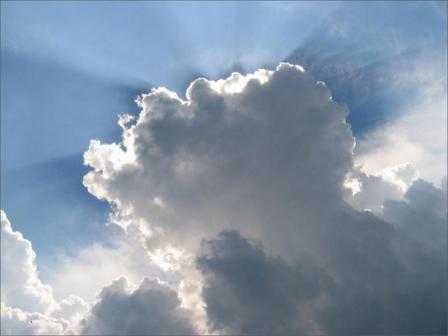Nublados ocasionales con aislados chubascos y vientos algo fuertes este lunes en Camagüey