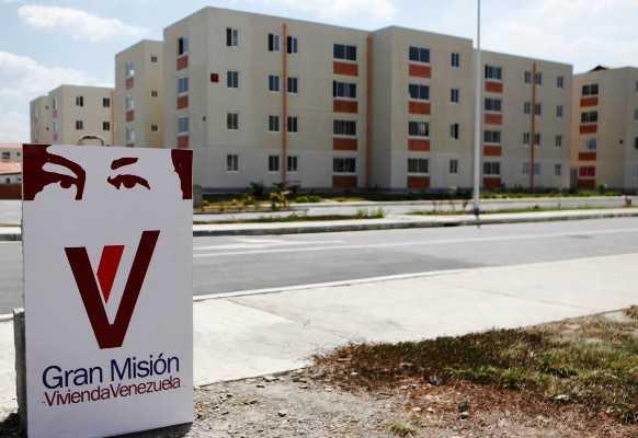 Entregaron 4.407 viviendas en 12 estados del país