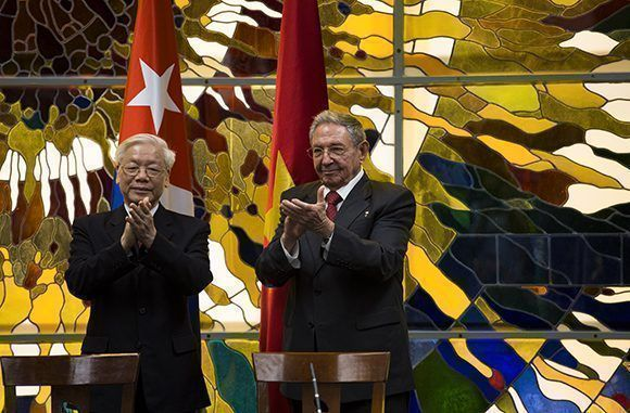 Nguyen Phu Trong rinde tributo a Fidel